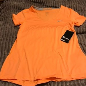 Nike pro dry fit T